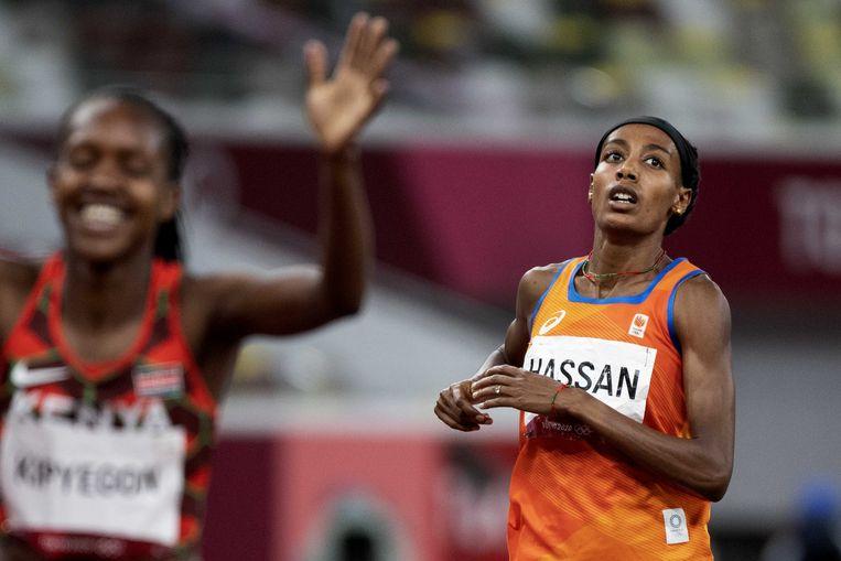 Sifan Hassan weet dat ze geen tweede gouden medaille heeft gewonnen. Beeld ANP