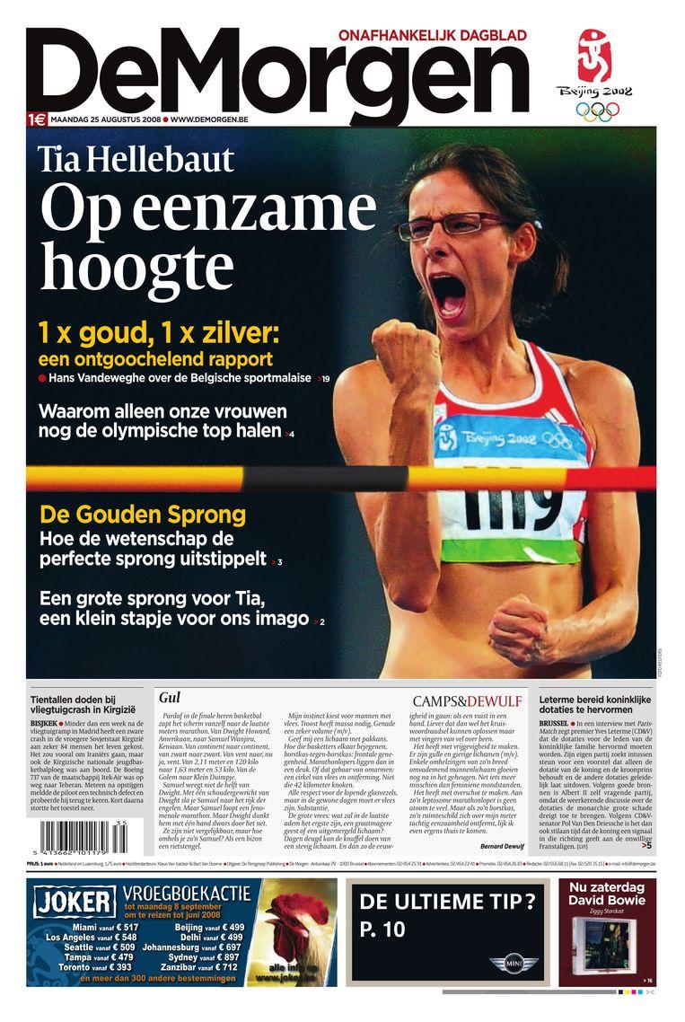 25 augustus 2008. Tia Hellebaut brengt het land in vervoering met haar gouden sprong over 2,05 meter in Peking. Beeld dm