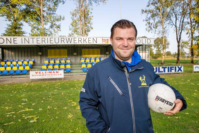 Nick Smits is nieuwe trainer van Weebosch.