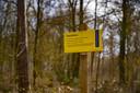In het Hassinkbos tussen Huzarenlaan en Olthoflaan is een bom uit de Tweede Wereldoorlog gevonden.