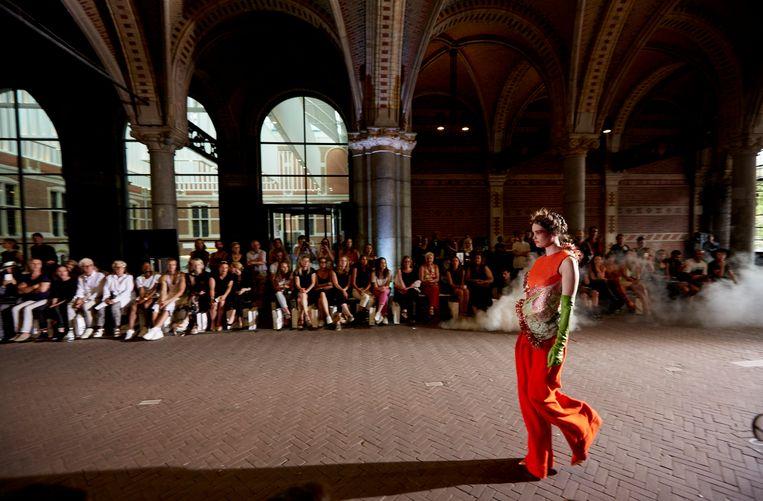 Moam Collective onder het Rijksmuseum in 2015. De modeshows trokken veel aandacht. Beeld Hollandse Hoogte/ANP Kippa
