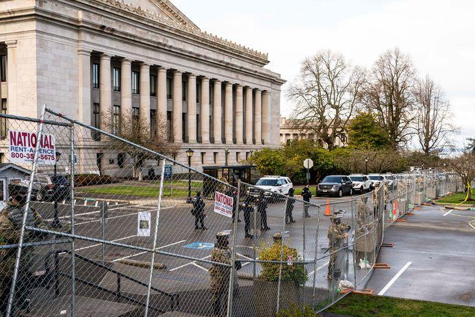 Sinds de bestorming van het Capitool is er extra bewaking rond het parlementsgebouw.
