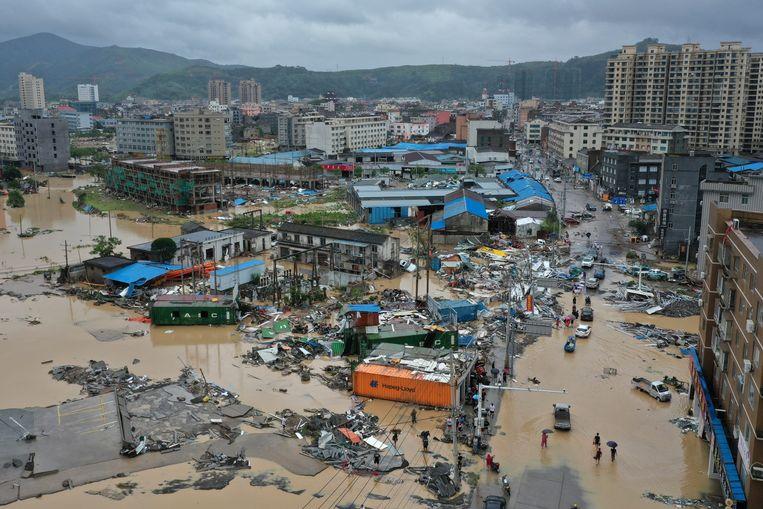 De plaats Dajing na de doortocht van Lekima.