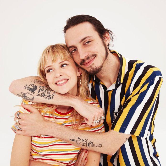 Angèle en Roméo (Elvis) Van Laeken. Hij begon pas op zijn 19de met hiphop, zij zat als klein meisje al achter de piano.