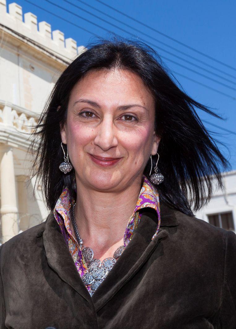 Daphne Caruana Galizia, jarenlang de luis in de pels van corrupte Maltese politici, kwam om toen haar wagen werd opgeblazen. Beeld REUTERS