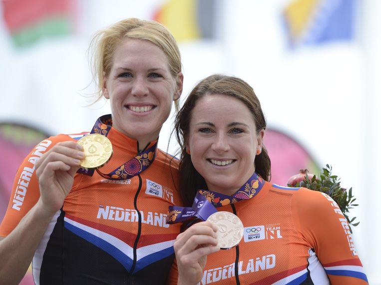 Ellen Van Dijk en Annemiek van Vleuten. Beeld epa