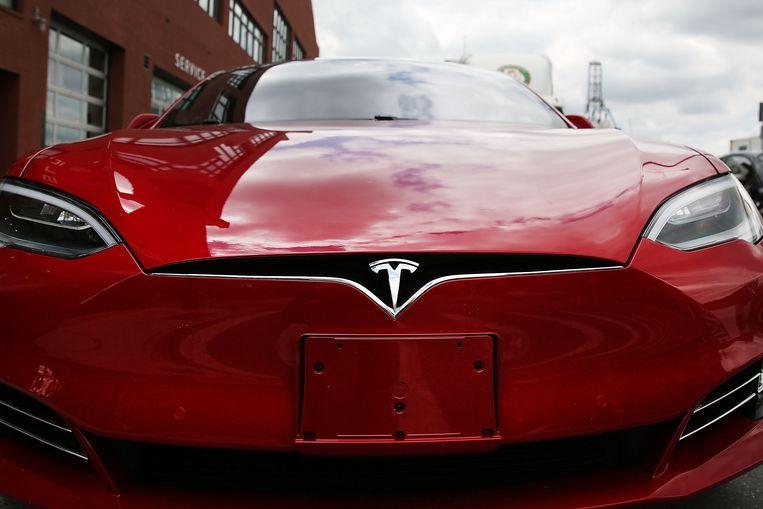 Vluchten voor Irma ging in een Tesla ineens wat vlotter dankzij een update die tijdelijk de actieradius van de wagen vergrootte. Beeld AFP