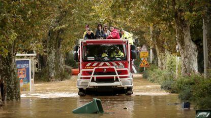 Noodweer houdt lelijk huis in zuiden van Frankrijk, zeker duizend mensen geëvacueerd
