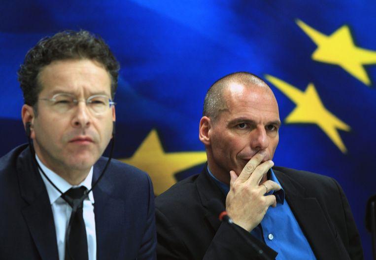 Eurogroepvoorzitter Jeroen Dijsselbloem met de Griekse minister van Financiën, Yanis Varoufakis. Beeld epa