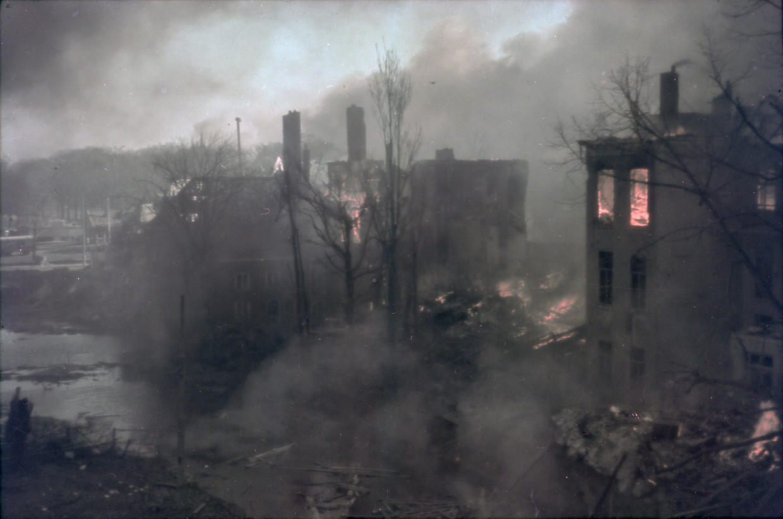 Het Korte Voorhout werd ook geraakt bij het bombardement van 3 maart 1945.
