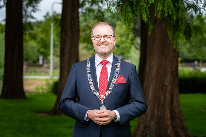 Burgemeester Servaas Stoop van de gemeente West Betuwe.