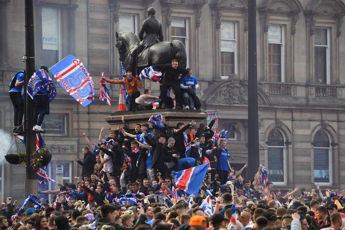 Het titelfeest van Rangers bracht duizenden mensen op de been in Glasgow.