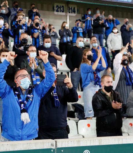 """""""Liever mét mondmasker in het stadion dan zónder voor de tv"""": Clubfans beleven geslaagde terugkeer naar hun 'tweede thuis'"""