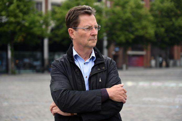 Schepen Dirk Vansina laat weten dat er in Leuven voor 2,5 miljoen euro per jaar asfalt wordt vernieuwd.