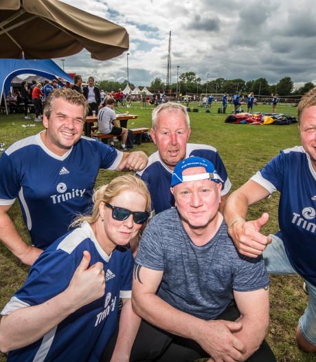 Gezelligheid en sportiviteit gaan hand in hand bij beach-volleybaltoernooi Saasveld