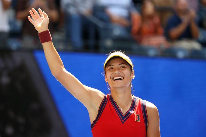 La Britannique Emma Raducanu, 150e joueuse mondiale, disputera sa première demi-finale de Grand Chelem à New York.