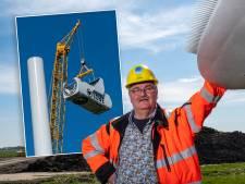 Bouwer Jan zet boodschap in top van zijn windmolens bij Hattemerbroek: 'Dit wens ik iedereen toe'
