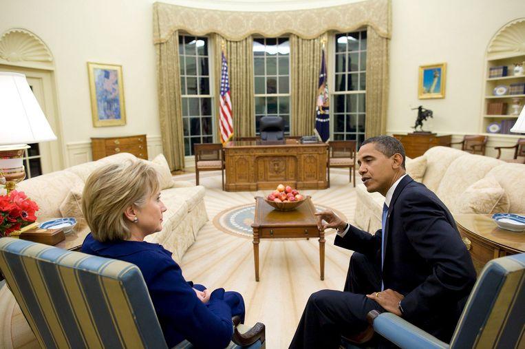 Obama met Hillary Clinton, destijds zijn minister van Buitenlandse Zaken, in 2009.  Beeld EPA