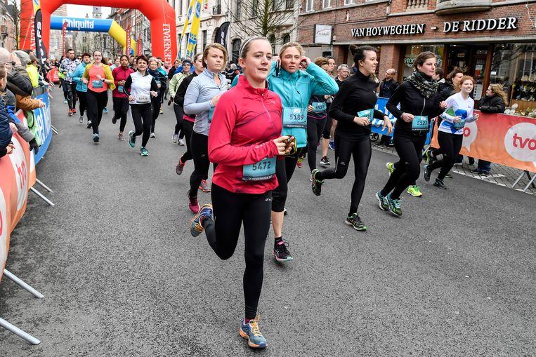 Dwars door Dendermonde lokt duizenden deelnemers.