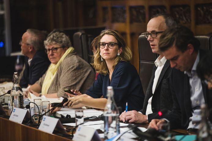 Economieschepen Sofie Bracke (tweede van links) kreeg het begin vorig jaar hard te verduren omdat ze wenste deel te nemen aan een inspiratiereis naar Israël.