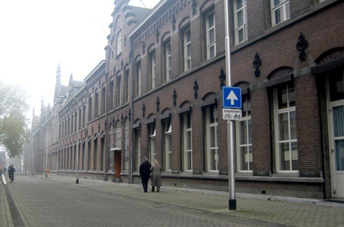 Het klooster van de Zuster van de Liefde aan de Oude Dijk in Tilburg.