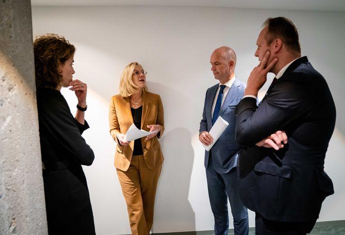 Vlnr: Sophie Hermans (VVD), Sigrid Kaag (D66), Gert-Jan Segers (ChristenUnie) en Pieter Heerma (CDA).