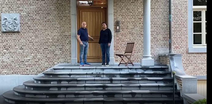 Jan Rijsdijk en Savita trekken letterlijk de deur achter zich dicht.