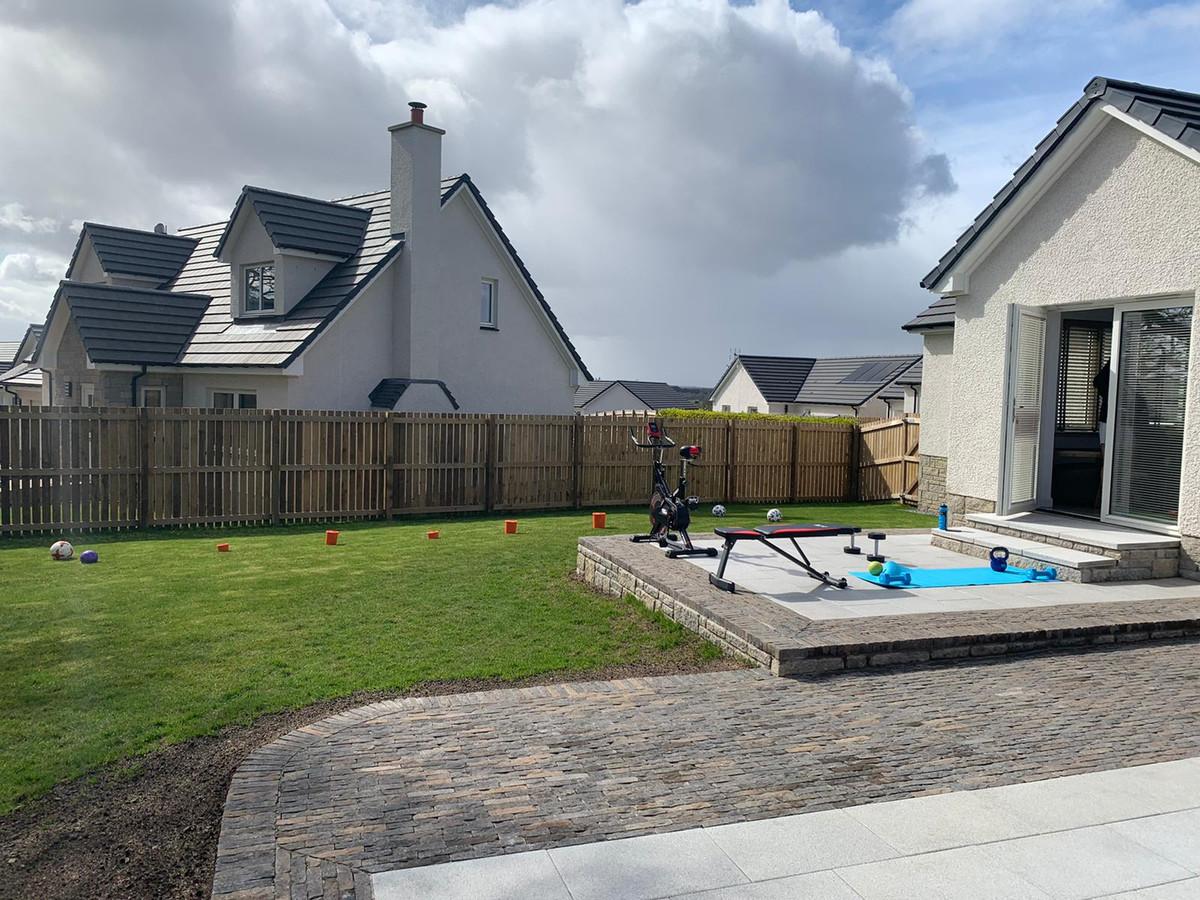 Het huis in Guildtown (Schotland), op deze foto te zien, is ingeruild voor Londen.