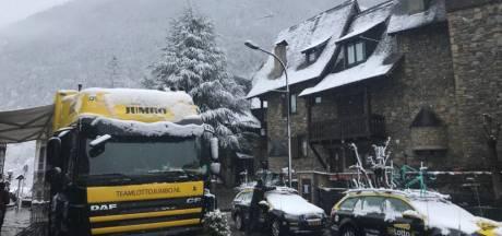 Sneeuw plaagt Ronde van Catalonië, Aru geeft op