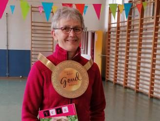 """Turnjuf Vera Goethals (62) krijgt gouden medaille voor schoolcarrière: """"En nu genieten van pensioen"""""""