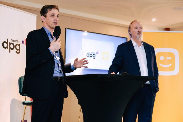 Kris Vervaet (DPG Media) en John Porter (Telenet) stellen hun project voor in Mechelen. Beeld Damon De Backer