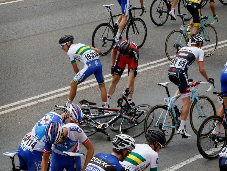 Een valpartij fnuikte de kansen van heel wat renners Beeld Photo News