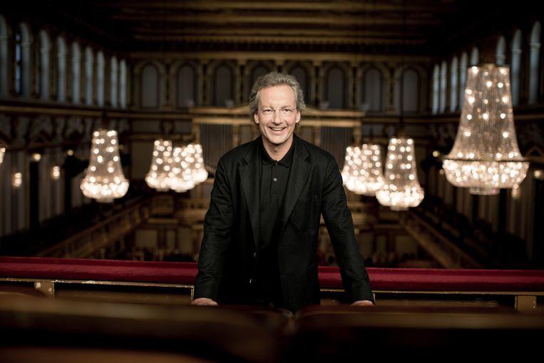 Dirigent Franz Welser-Möst bij een fotoshoot in de Musikverein in Wenen. Beeld Julia Wesely