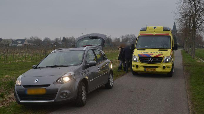 Het slachtoffer werd aangereden op de Pastoor Schoenmakersstraat in Boven-Leeuwen.