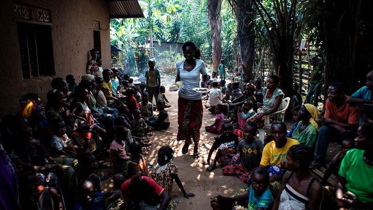 Ontheemden in de Congolese stad Kikwit, die de regio Kasai zijn ontvlucht, 7 juni. Beeld afp