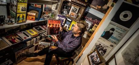 Oosterbeker Dick van Veelen is de eerste die een Nederlandstalig boek over The Kinks schreef