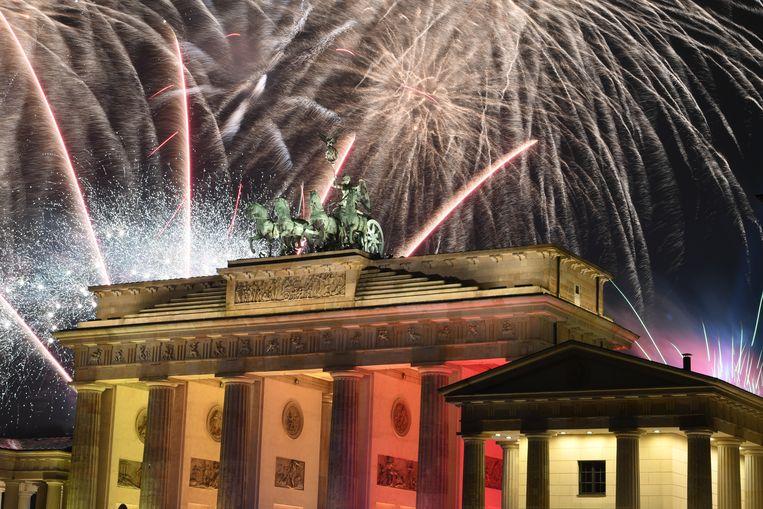 Het vuurwerk van de Duitse hoofdstad Berlijn. Beeld Monika Skolimowska/dpa-Zentralbi