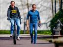 Demissionair minister-president Mark Rutte en demissionair minister Hugo de Jonge van Volksgezondheid arriveren bij het Catshuis voor overleg over het coronavirus.