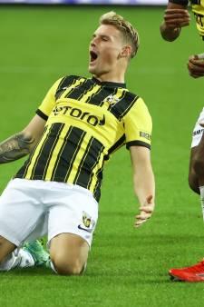 Spits Baden Frederiksen vol scoringsdrift bij Vitesse: 'Ik wil twintig goals maken'
