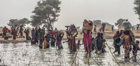 Duizenden Nigerianen ontvluchten land na gewelddadige plunderingen Boko Haram