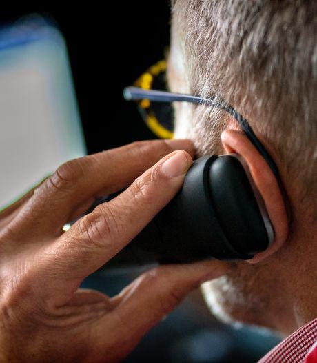 Jos uit Schijndel hoort veel coronaverdriet, 'Als ik telefoon neerleg, hoop ik dat iemand weer verder kan'