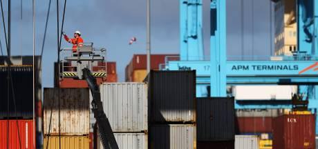 Rotterdamse haven draait beter dan verwacht, omdat we opeens heel veel spullen kopen