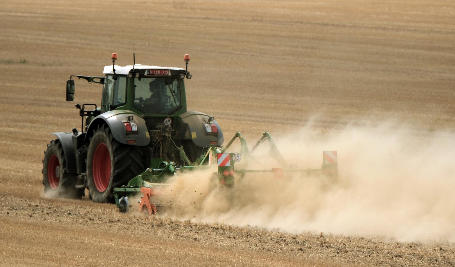 Bij waterschaarste kunnen landbouwers het verbod krijgen om de akkers te irrigeren maar de kraan moet blijven lopen