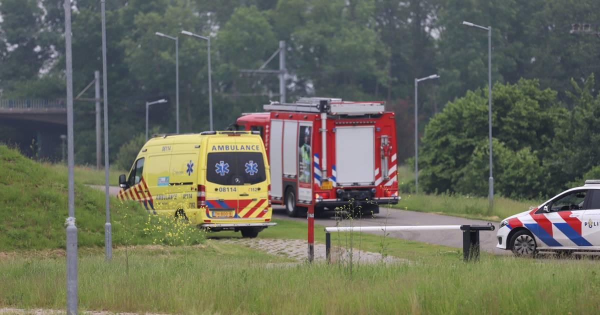 Fietser raakt zwaargewond bij ongeluk op crossbaan in Tiel.