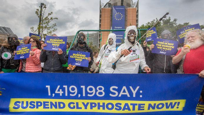 Manifestation contre le glyphosate devant la Commission européenne à Bruxelles, le 18 mai 2016.