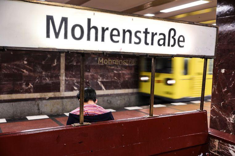 De Berliner Verkehrsbetriebe wilde de naam voor Mohrenstrasse veranderen, maar dat blijkt niet zo eenvoudig. Beeld EPA