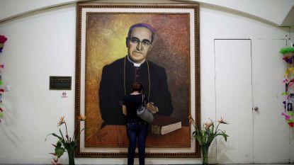 Rechtbank vraagt onderzoek naar moord op aartsbisschop Romero in El Salvador
