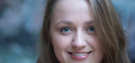 Froukje uit Rhenen is de 'on stage swing' in musical Ciske de Rat (video)