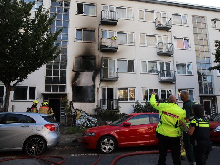 Uitslaande brand in woning aan Haagse Maartensdijklaan