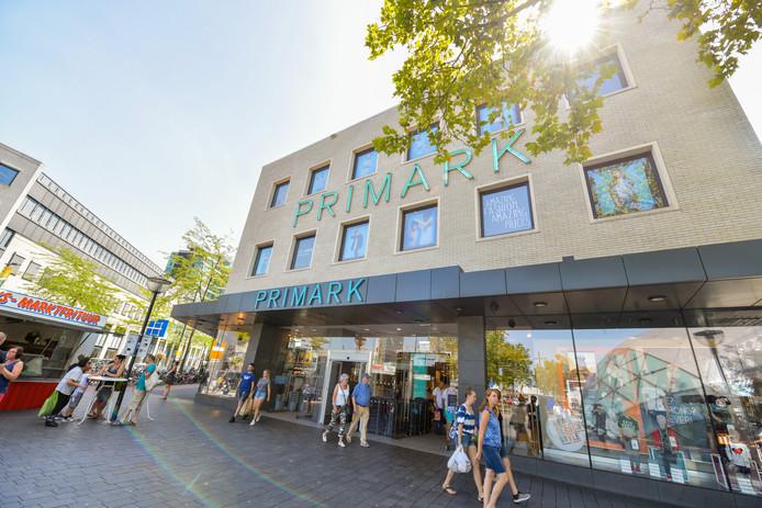 Super Beloofde verbetering van Primark komt in Eindhoven maar langzaam VD-73